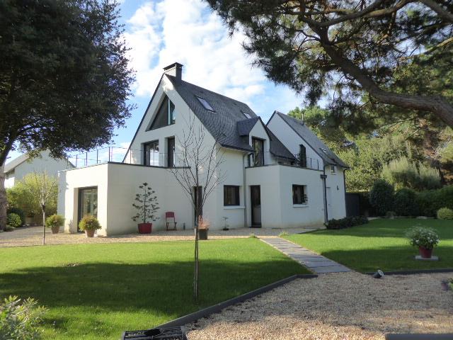 act immo immobilier maison contemporaine de grande qualite golfe du morbihan. Black Bedroom Furniture Sets. Home Design Ideas