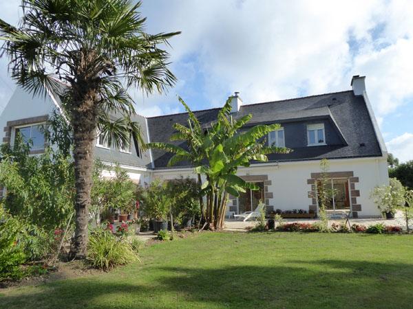 act immo immobilier maison 450m avec piscine pres de. Black Bedroom Furniture Sets. Home Design Ideas